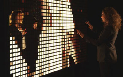 PROMOTECH HOSTS LIVING SHAPES BY PHILIPS